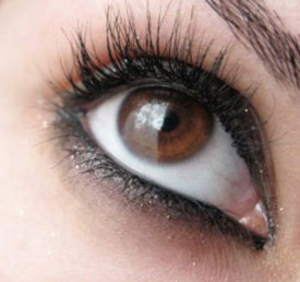 Makeup Part I: Is it hurting our eyes?